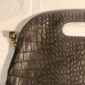 Handbags - 🍒Just Added🍒 Vintage Fold Over Clutch